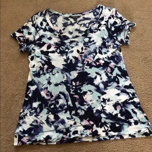 Simply Vera Wang S/S Floral Sz Lg gently worn